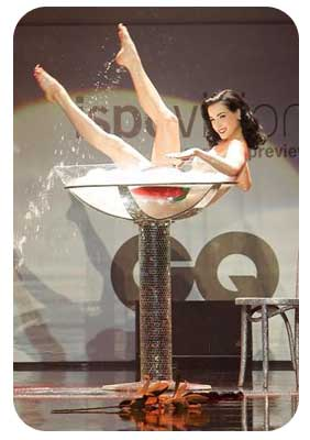 champagne-Dita-Teese-2011-airmagazine