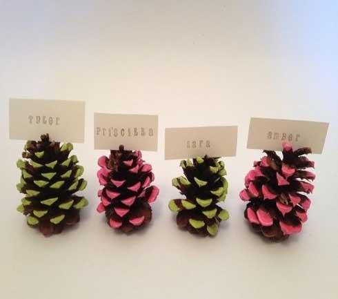 gekleurde-denneappels-kersttafwl